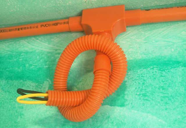材通专利产品PVC线管带盖三通、阻燃波纹管工地效果展示